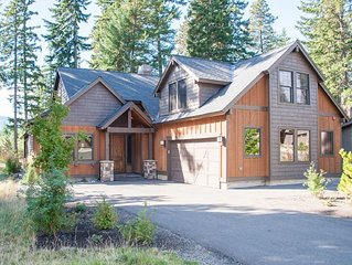 Amazing custom built home on the 18th hole of The Prospector Golf Course!