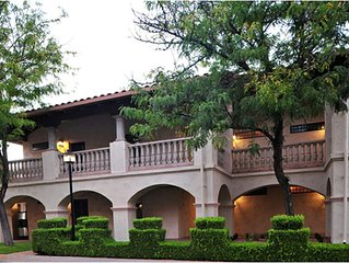 Resort Villa 2BDR Downtown On Oak Creek Tlaquepaque Village
