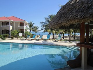 Spacious 2bd, 2bth, situated on best beach in Placencia.  Amazing ocean view!