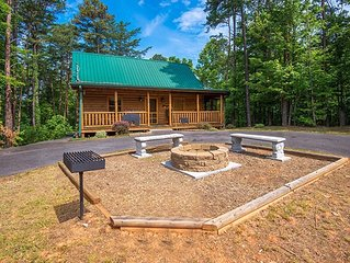 New Listing! Very Quiet, 3BR w/flat parking, Theatre Room, Hot Tub, and Fire Pit