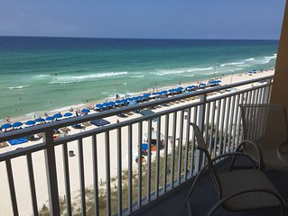 Splash~Oceanfront 305E Unit with free beach service &WiFi included
