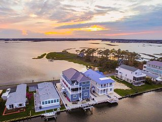 Gorgeous Sunsets on Bay in Beautiful 7 BR Home 1.5 Mi to Beach