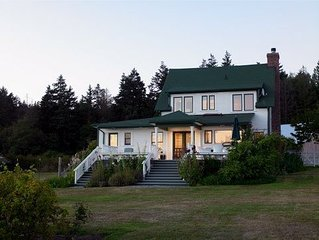 Amazing Historic Waterfront Farm House on Westcott Bay - Walk to Roche -
