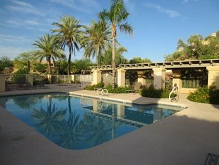 Private 2BR Condo with Awesome Mountain & Fountain View