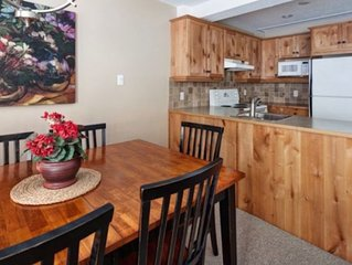 Newly renovated, Ski in/ Walk out