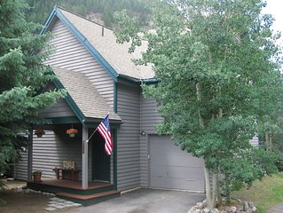East Vail Mountain Home-Hot Tub-Steps away from bus- Ideal Location