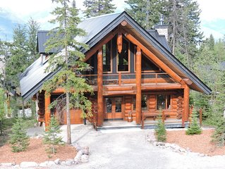 Elk Lodge-A true Log Chalet in the mountains for a unique vacation.
