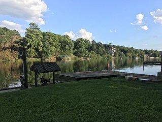 Lake Hamilton Lakefront Retreat--Spacious and Stylish with National Park Views