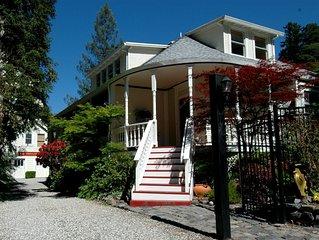 Studio Cottage, 5 Star amenities in Stunning Garden Setting