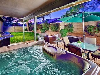 What a Peaceful Paradise  !  Large 4 Bedroom in Paradise Valley w/ Hot Tub!