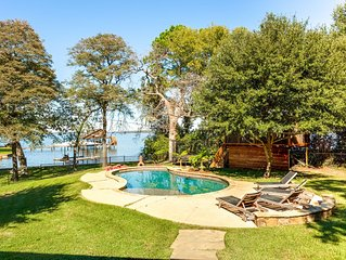 6 Bedroom Waterfront Lakehouse + Pool/Basketball Court/Treehouse