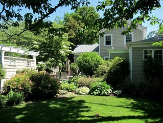 Lovely 4 Bedroom Southold Home Walking Distance to Peconic Bay