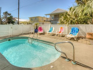 Private Pool and Dog Friendly! Ocean View, just steps away from the beach!