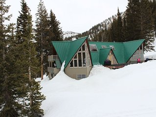 Exclusive Alta Cabin, Ski-in Ski-out Accessibility
