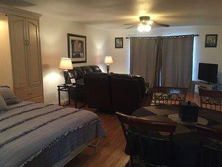 Waterfront Kingsview Condo Sleeps 12! $165 a night