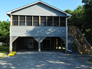 Rancho Relaxo-3BR+Bunk Area, Walk to Beach, Shops, Food, Pup Friendly, Wi-Fi,