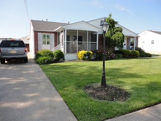 Now booking weekends!  Beautifully renovated 3 bedroom, 2 bath home!