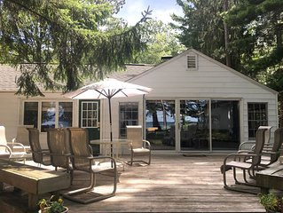 Charming Higgins Lake Lakefront Cottage with private dock and gorgeous views