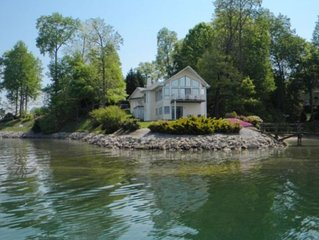 Spectacular Panoramic Water & Mtn. Views!!  Perfect Family Get-Away!!