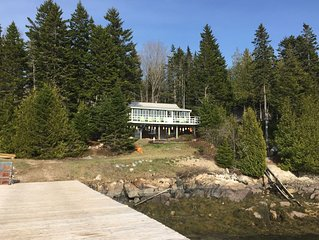 Oceanfront Retreat on Dyers Bay With Amazing Sunsets