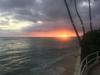 Diamond Head Condo on the Famous Gold Coast, Amazing Sunsets, Surfing, Running