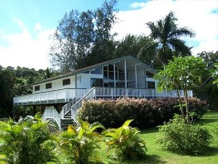 Great House Across from Beautiful Anini Beach  Extended Family 100 steps to sand