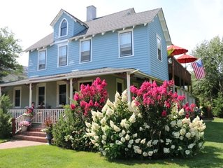 Lovely Oceanside Home In Historic District