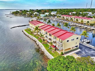 NEW LISTING!! Incredible Luxury Townhouse, ON the water! (boatslip included)