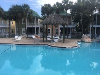 Vacation Paradise at Purple Parrot Resort  Relax at the Tiki Bar New on