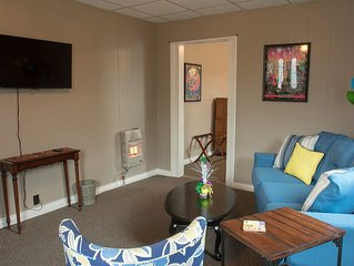 7 MINUTES From French Quarter This Comfortable Shotgun sleeps 6