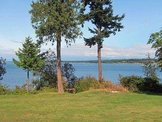 Family Beach House With Beautiful Views, Huge Yard, Mooring Buoy, And Kayaking