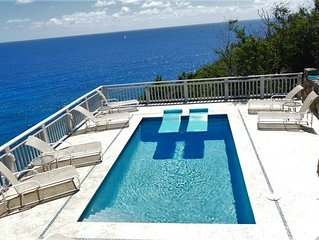 Southern Cross Villa, stunning ocean views, conveniently located