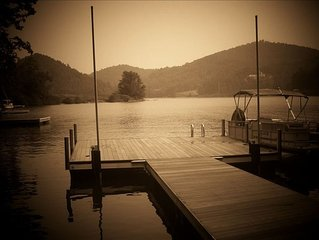 Relaxing Lakefront Mountain Home, Cashiers on beautiful Lake Glenville