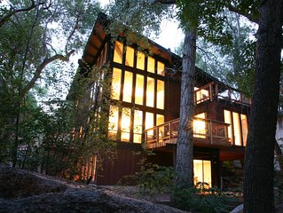 Stream Side Modern Vacation Retreat *Splendid Stay!* 4 bed, 3 bath getaway