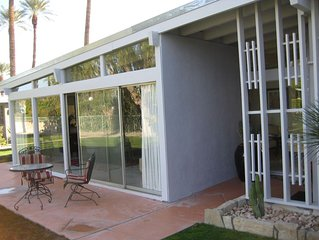 LIZ PARTIED HERE;  A Period Producer's Bungalow in Rancho Mirage The Real Dea