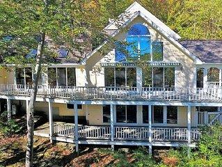 Luxurious, Elegant 4 Acre Berkshire/Pioneer Valley Retreat with Pool