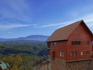 'Luxury Cabin with Unforgettable Views'- Starr Crest Resort