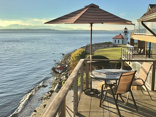 Stunning Waterfront/Beachfront Condo on Alki Beach
