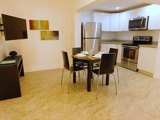 Hollywood area, close to shopping and beaches!! New apartment!!