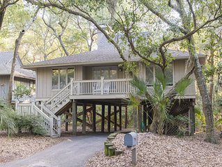 Pets Ok, Bikes Included,(4), Walking Distance To Beach And Pool