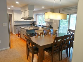 Newly Renovated Main house & Cottage 8 Bed/4 Baths