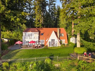 Waterfront ~ Truly Unique ~ Charming Northwest Getaway