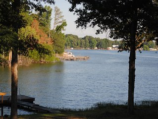 Lake Murray House with great view and Huge screen room