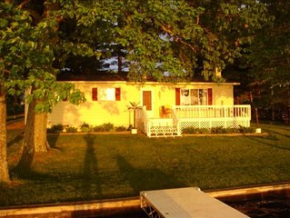 Beautiful Sunsets Over the all sport's, quiet Crawford Lake. Year round rental!