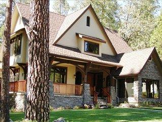 Amazing Lake House - Luxury Home Near Village