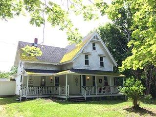 Restored Maine Farm House-Privacy-Mountain View-Near Acadia National Park