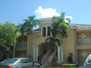 Easily Accessible First Floor Condo In PGA Village