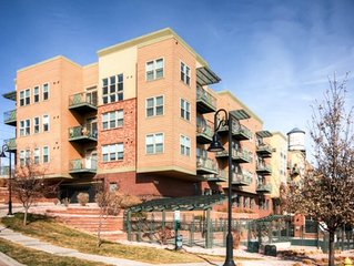 Beautiful Olde Town Arvada Loft ~ Walk To Restaurants, Shopping and Much More