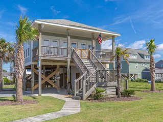 'Pickle Palms' Oceanfront on Topsail Island, 2 BR - 2 BA Beach House