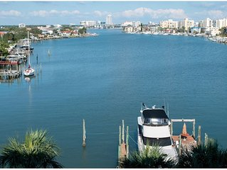 August Special- $135/night Dockside Condos 504 with private balcony-Beautiful!